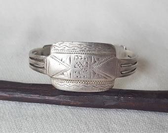 old mauritanian cuff in silver