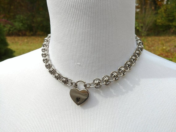 Discreet Symbolic Locking Day Collar, BDSM Submissive Slave Collar, DDLG, Stainless Steel Chainmaille with Small Heart Shaped Nickel Padlock