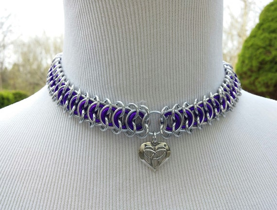 24/7 Wear Discreet Symbolic Day Collar Choker, BDSM Submissive Slave Collar, Chainmaille Collar with Color Options, Celtic Heart Pendant