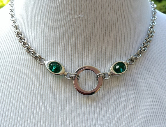 24/7 Wear Discreet Symbolic O Ring Day Collar Necklace, BDSM Submissive Slave Collar, Stainless Steel Chain/Maille Collar Green Glass Beads