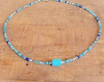 Beach choker for women with a turquoise howlite bead, minimal beaded choker necklace for women, ocean jewelry