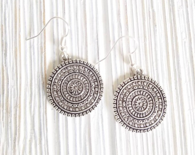 Boho Disc Earrings, Drop Earrings for women, Mandala round earrings, Hippie Chic Dangle Earrings, Boho Style Disc earrings