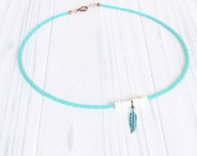 Feather choker for women or men, minimalist boho choker, thin and light beaded choker necklace, unisex choker