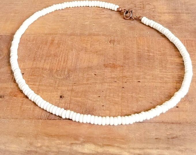 Unisex beaded choker in surfer style with howlite rondelle beads, beach jewelry for men or women, boho choker