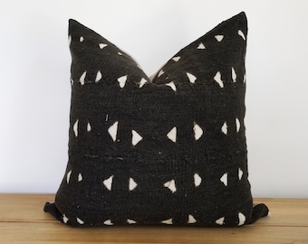 Authentic Mudcloth Pillow, Vintage Mali Bogolan, Warm Black with Cream Beige, Geometric, Small Triangles