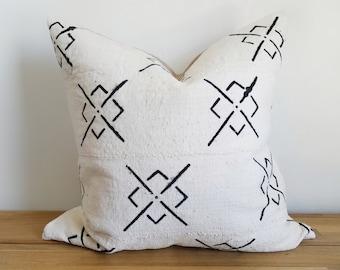 Authentic Mudcloth Pillow, Vintage Mali Bogolan, White, Cream, Black, Cross, X, Diamond, Geometric
