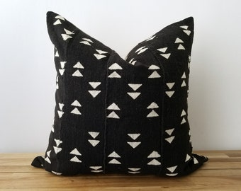 Authentic Mudcloth Pillow, Vintage Mali Bogolan, Warm Black with Cream Beige, Geometric, Small Double Triangles