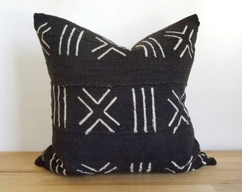 Authentic Mudcloth Pillow, Vintage Mali Bogolan Warm Black Ground with Off White X and Lines, 20x20