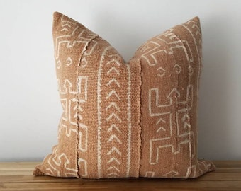Authentic Mudcloth Pillow, Vintage Mali Bogolan Light Brown / Beige Ground with Off-White / Cream Warrior, Geometric