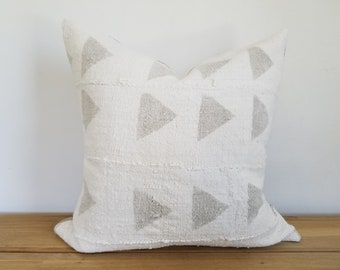 Authentic Mudcloth Pillow Cover, Off-White/Cream, Large Light Grey, Gray, Triangles