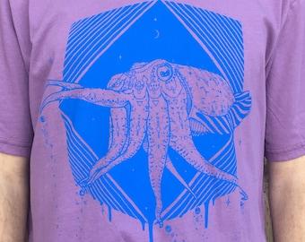 The Pharaoh Cuttlefish - Men's Organic Cotton Tee Shirt / Cuttlefish / Nature / Egyptian / Astronaut / Spaceship / Sci-fi / Pyramid / Ocean