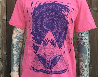 I Love Triangles - Unisex Organic Cotton Tee Shirt / Sacred Geometry / Festival Clothing / Triangles / Heart / Galaxy / Pyramids / Pink