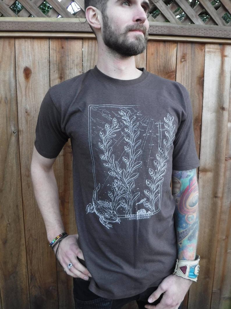 Men's Organic Cotton/Hemp Tee Shirt  Amphibians / Nature image 0