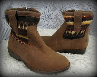 Little girl cowgirl boots, Kids boots, Girl boots, Cowgirl boots size 7, Girls size 7 shoes, Western kid boots, Cute kid shoes