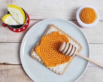 Crochet slice of honey - honeycomb, tost, Montessori, amigurumi toys, pretend play food, kitchen, breakfast, miniature food, shop, gift