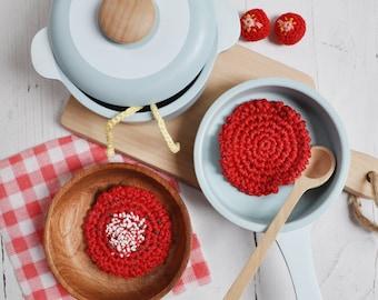 Crochet tomato sauce or tomato sauce with parmesan and basil, 1 piece, pretend play food, Montessori, amigurumi toys, Kinderküche, kitchen,