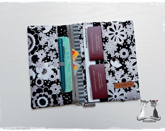 Travel case black and white flowers - Travel case - Passport cover - Ticket cover - Pocket organizer - Organizer - Travel organizer - Holiday planner