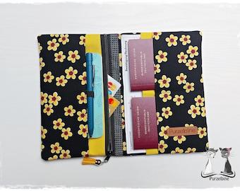 Travel Case Black Flowers - Travel Case - Passport Sleeve - Ticket Sleeve - Pocket Organizer - Organizer - Travel Organizer - Vacation Planner