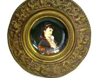 815273271ed9 Ancienne allemande peint à la main assiette en porcelaine avec cadre en  laiton repoussé