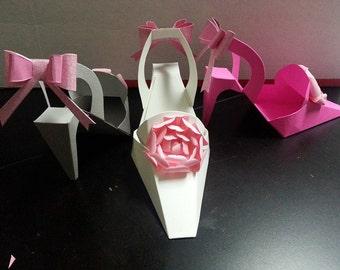 Lady Shoe White Heavy Cardstock w/ Bow