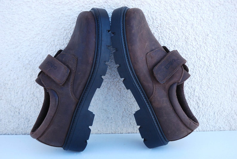 Vintage 90s  Brown Leather Shoes Block Heel Shoes Brown Leather Chunky Heel Loafers Slip On Size Eur 37  US 6.5 UK 4.5