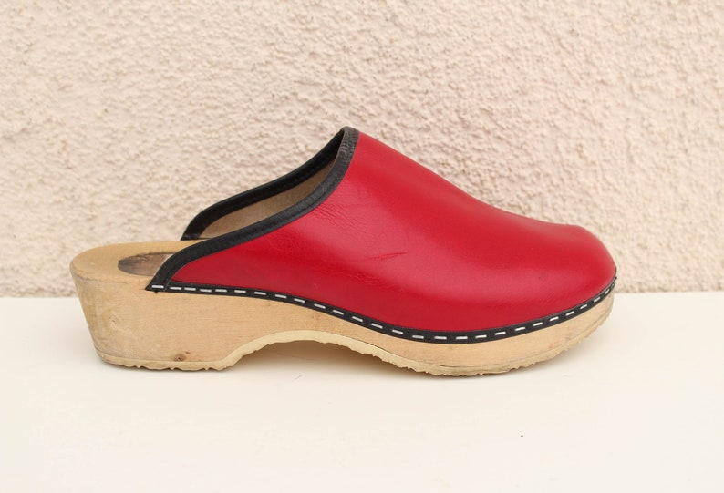 Vintage Red Leather Clogs Women/'s Genuine Leather Clogs Boho Shoes Size EUR 39  US 8.5 UK 6.5