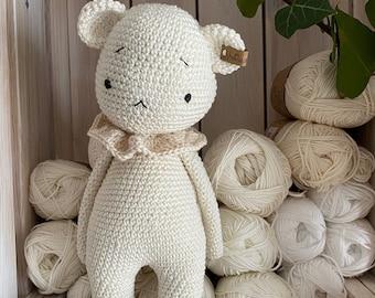 teddybear or polar bear DUFFY amigurumi crochet toy, a lovely chubby teddybear
