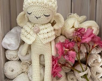 Amigurumi sheep JADE made with organic coton GOTS,  stuffed animal for baby gift, amigurumi