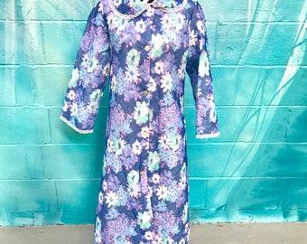 0a8df94db9 Vintage robe vintage dressing gown floral nightwear 60s robe