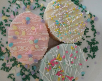 Decorative Easter Egg Cakes With White Chocolate & Colored Sprinkles/Easter Treats/Easter Gifts/Spring Treats/Cake/Decorated Eggs/1 Dozen