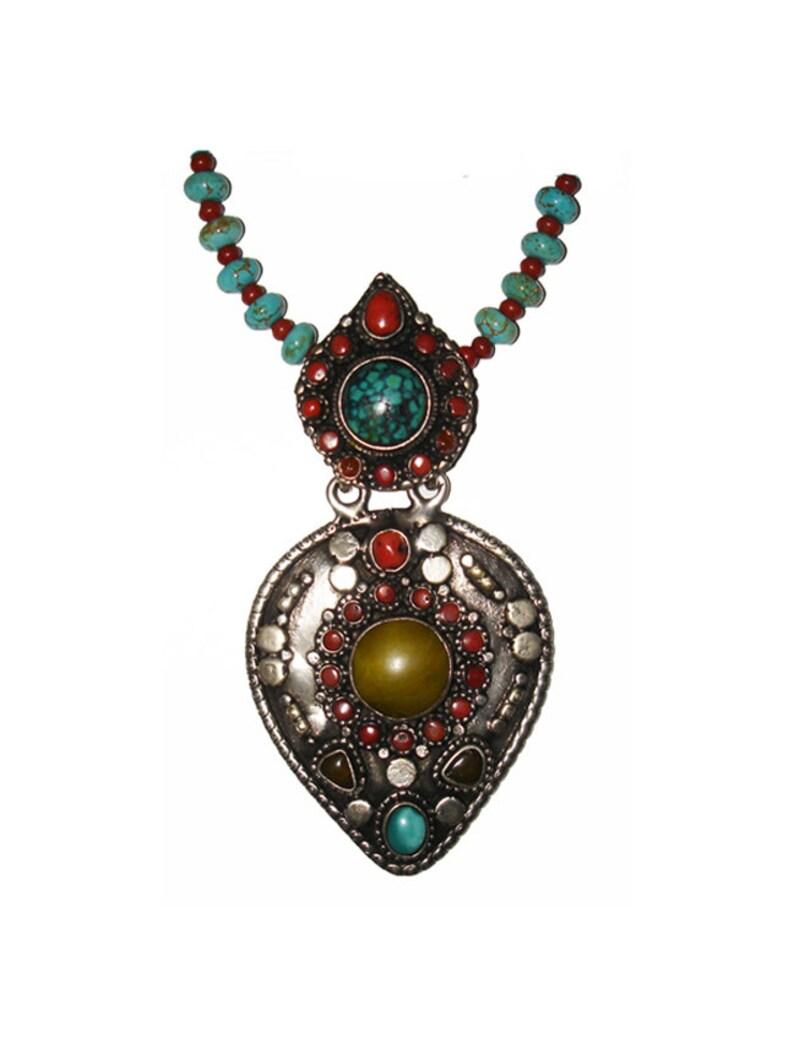 ff168761169d Collar medallón tibetano Vintage turquesa y Coral