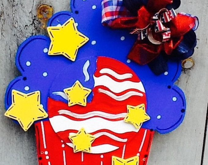 cupcake door hanger, Patriotic sign, God Bless America sign, 4th of July sign, Memorial Day sign, Patriotic sign, Stars and Stripes sign
