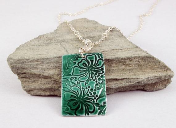 Green Enamelled Floral Embossed Pendant Necklace