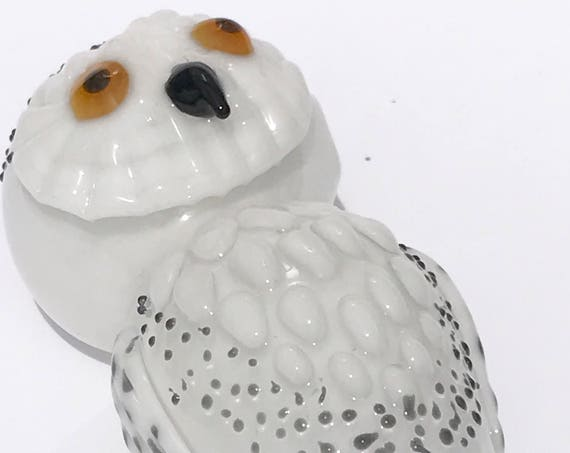Glass Tobacco Pipe Snow Owl