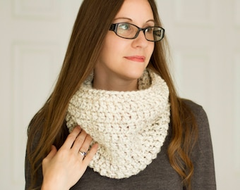 Oatmeal Crochet Thick Infinity Scarf // Acrylic Wool Blend Scarf // Fall Winter Accessory // Ready to Ship