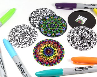 Lot of 3 round coloring magnets, Mandala style flowers