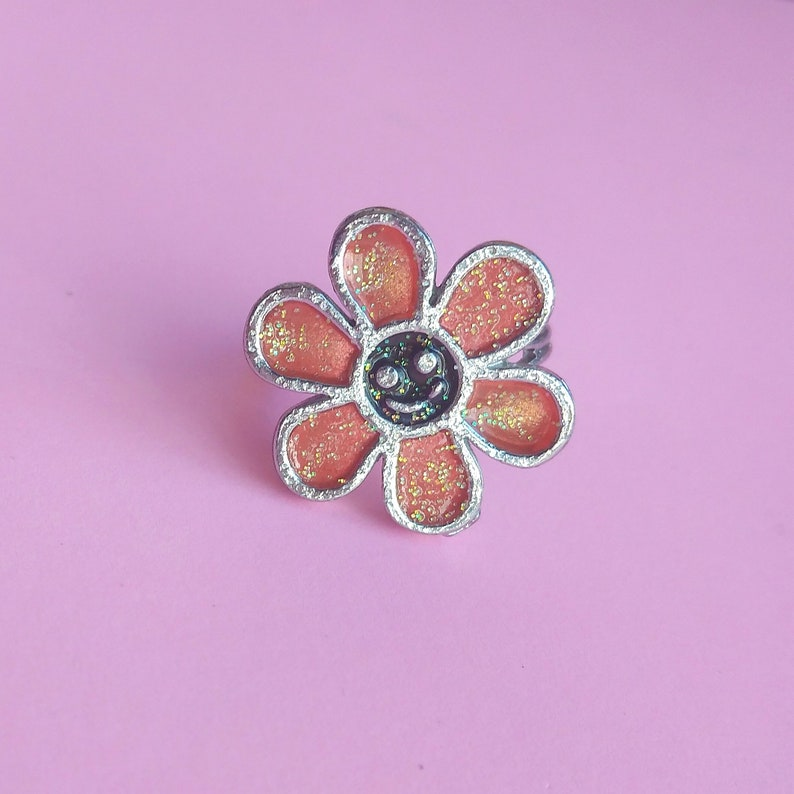 90s Smiley Face Flower Ring Sparkly Vintage Kitschy Jewellery