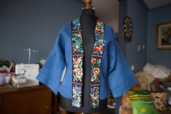 Vintage embroidered linen kimono jacket / Linen em