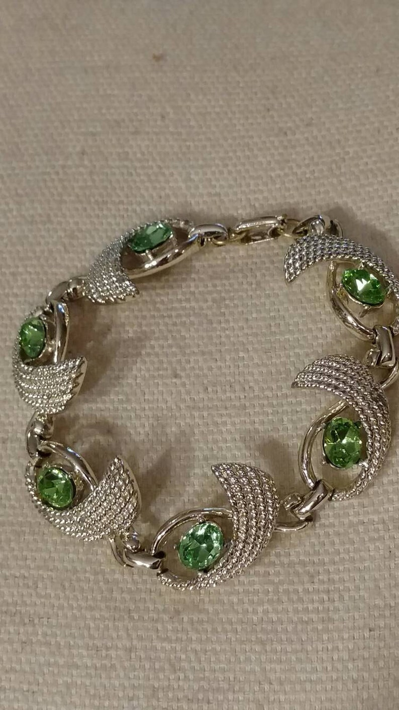 Vintage Ribbon Pattern Ribbon Link Bracelet Peridot Crystal Bracelet Peridot Stone Bracelet Gold Tone Gold Tone Ribbon Bracelet