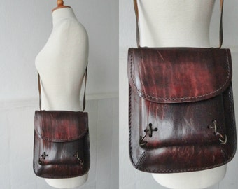 70s Vintage Leather Bag // Crossbody