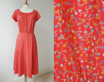 Red 70s Vintage Summer Dress With Green Orange Purple & White Flowers