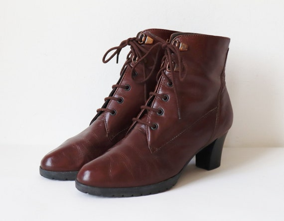 Brown Leather Lace Up Ankle Boots // Size 37,5