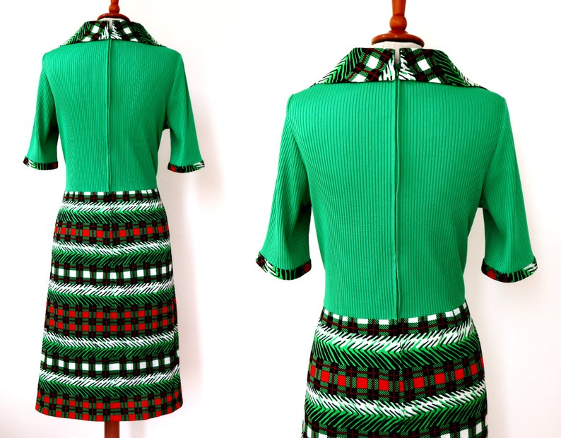 Green 70s Vtg Dress  Fink Model  Red Black White Squared Print /& Pleats  Big Collar  Size M