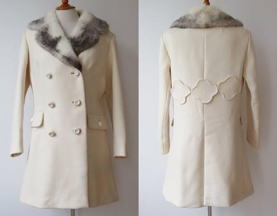 Very Nice Ivory Wool Coat/Jacket With White/Black
