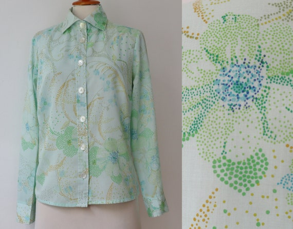 Pastel Green 70s Vtg. Ladies Shirt // Blue Curry C