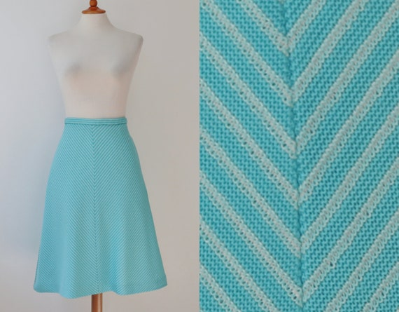 Turquoise 70s High Waisted Vintage Skirt // White