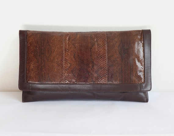 Big Brown 80s Vtg. Snake Skin/Leather Clutch // Ev