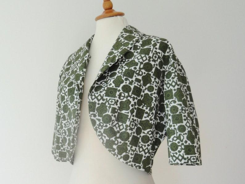 White 50s Vintage Cropped Bolero Jacket  Green Print  Gorri Model   Size ML