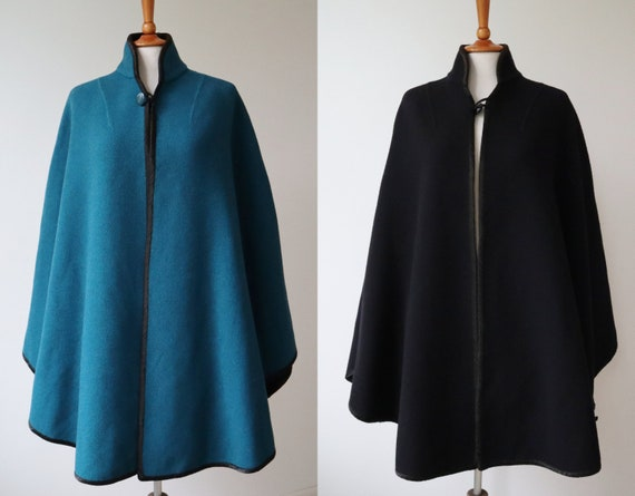 Reversible 90s Wool Cape Blue/Black // High Necked