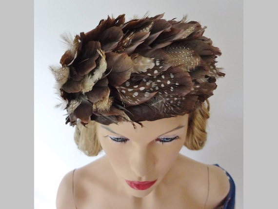 Brown White 30s Feather Vintage Hat // Pill Box Ha